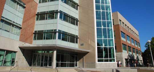 カナダ・ビクトリア3つの語学学校(GEOS・PGIC・UVIC)レビュー