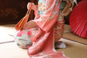 一重?黒髪?童顔?外国人にモテる日本人女性の特徴(外見)とは