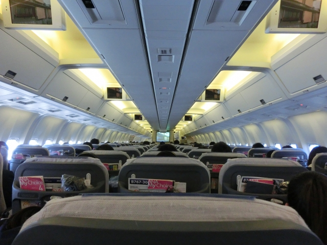 長距離フライトの暇つぶし方法と便利グッズ。「暇」を有意義に過ごすコツ