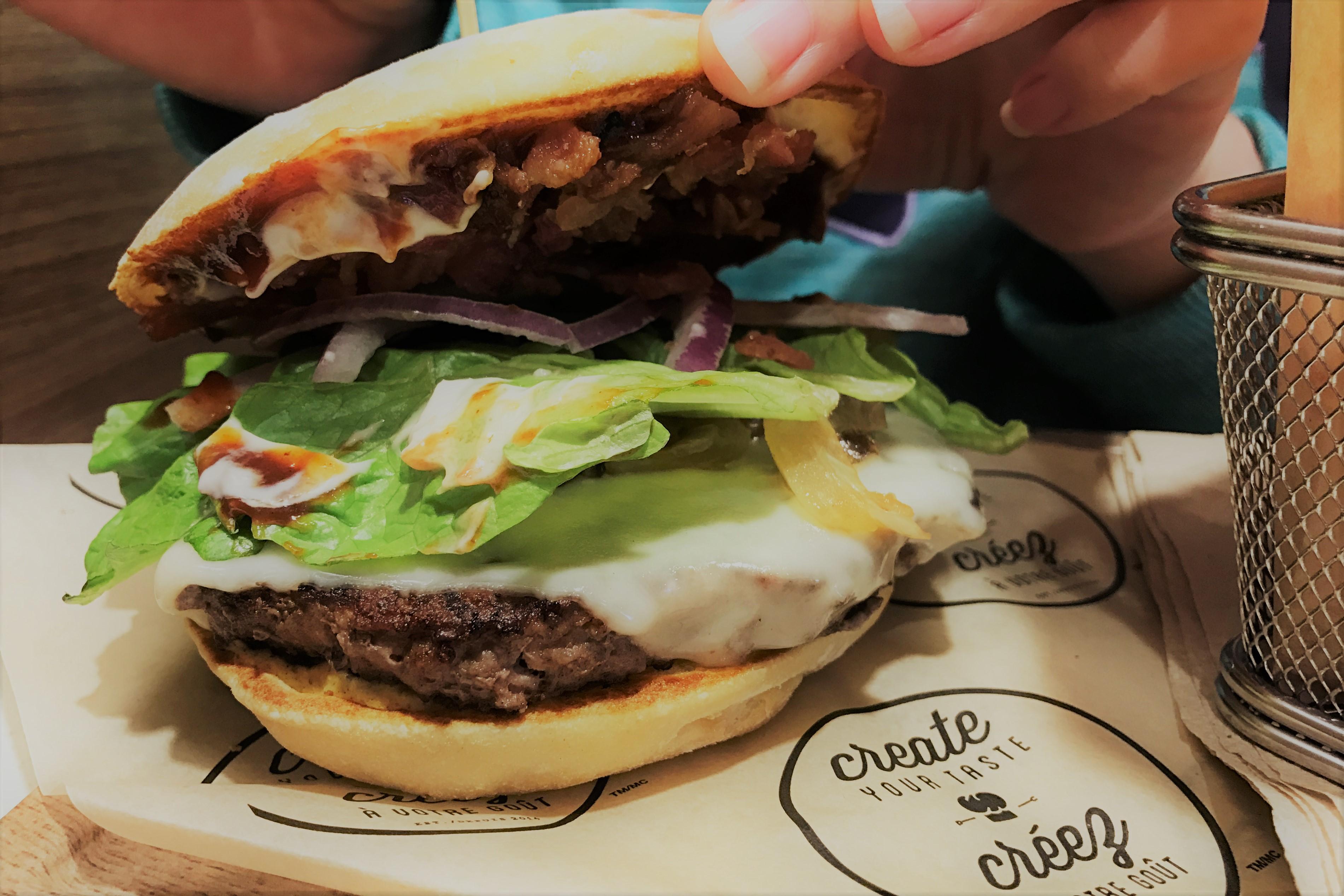 自分の好きな具材で作るマクドナルドのカスタマイズハンバーガーが凄い