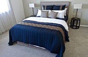 寝具(Bedding)の種類。海外のベッドに枕が多い理由?掛け布団は英語で何?