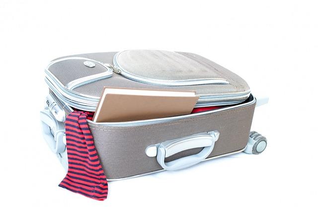 海外旅行や留学にソフトタイプのスーツケースを選ぶべき理由!